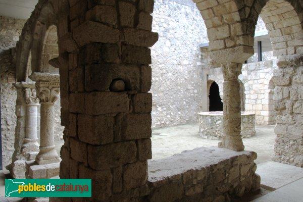 Avinyonet del Penedès - Sant Sebastià dels Gorgs, el claustre
