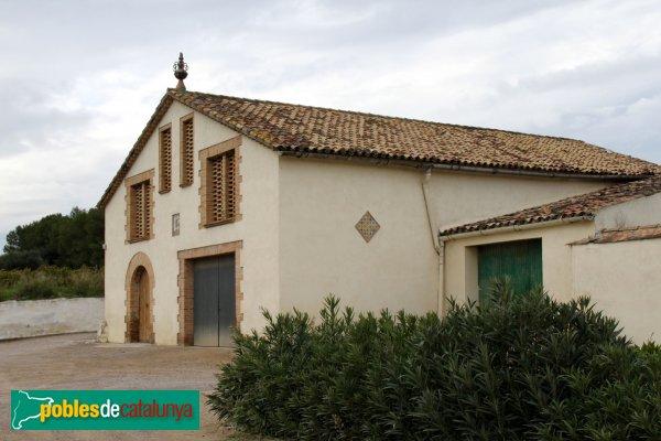 Avinyonet del Penedès - Masia de Llinda, magatzem i celler
