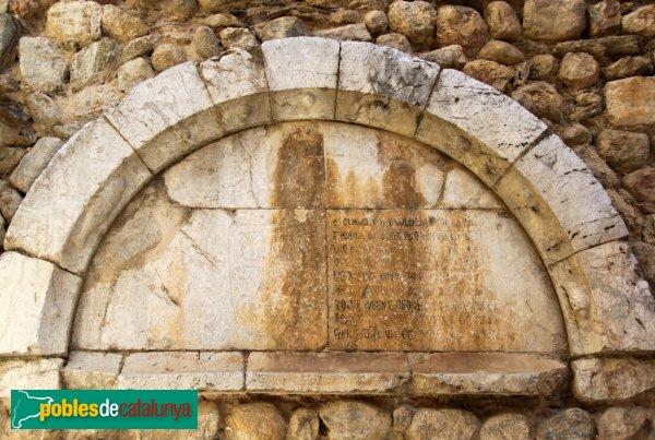 Peralada - Església de Sant Martí, detall d'època romànica