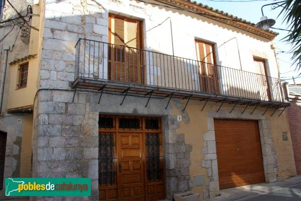 Peralada - Casa al carrer Albergueries, 5
