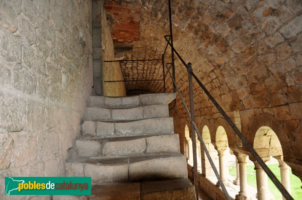 Vilabertran - Claustre del monestir