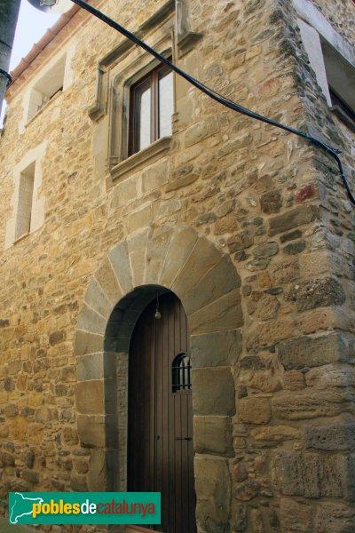 Casa a la travessia de l'Església (Camallera)