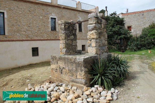 Sant Miquel de Fluvià - Antic pou