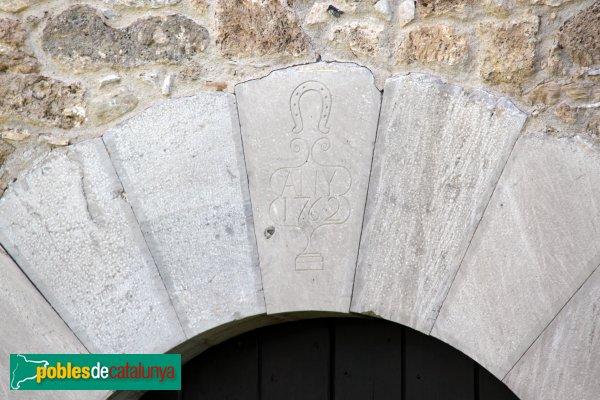 Torrelavit - Sant Martí Sadevesa, porta del segle XVIII