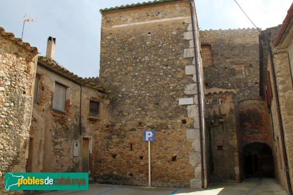 Garrigàs - Passatge al nucli antic