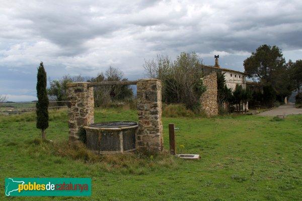 Pontós - Pou al recinte de l'antic castell