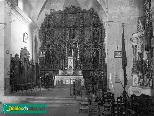 Bàscara - Interior de l'església amb el retaule perdut