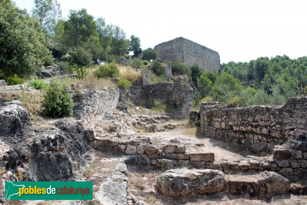 Gelida - Castell, habitatges al recinte sobirà