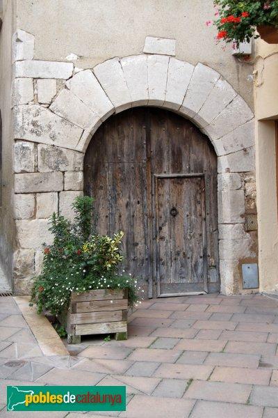 Sant Quintí de Mediona - Portal adovellat