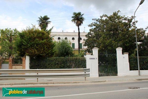 Sant Quintí de Mediona - La Freixaneda, façana posterior
