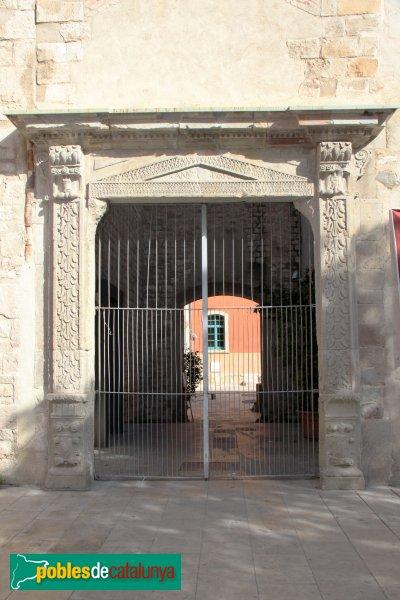 Barcelona - Convent de Sant Agustí, porta de la plaça de l'Acadèmia