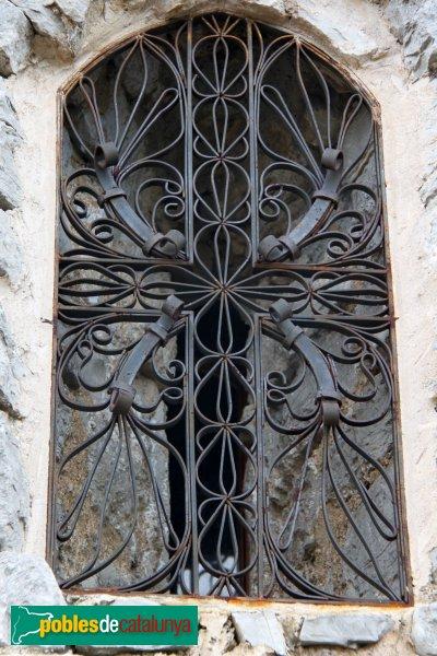 Mediona - Capella de Sant Elies, finestra romànica