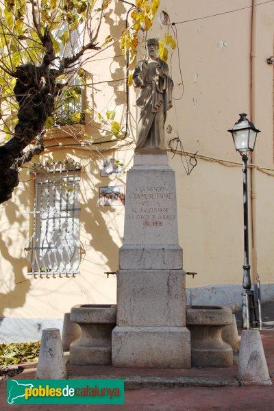 Torrelles de Foix - Font i estàtua dedicada a Pere Farré Vallès