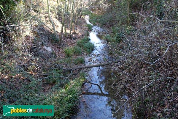 Torrelles de Foix - La riera de Pontons a Les Dous