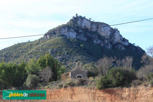 Castellví de la Marca - Capella del Vinyet, amb el Castell al fons
