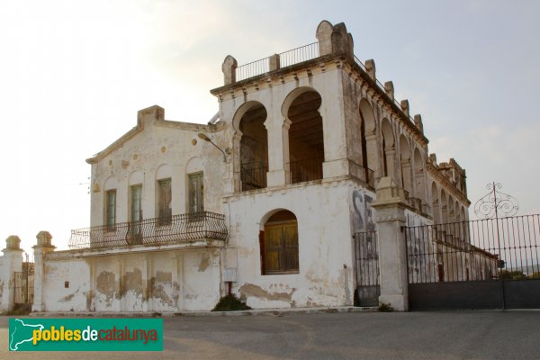 Castellet i la Gornal - La Porxada