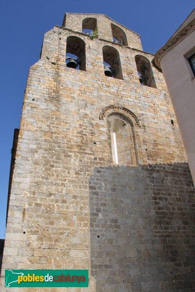 Agullana - Església de Santa Maria, el frontis