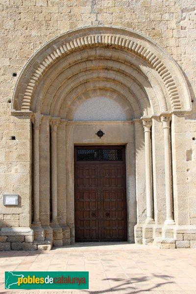 Agullana - Església de Santa Maria, portal