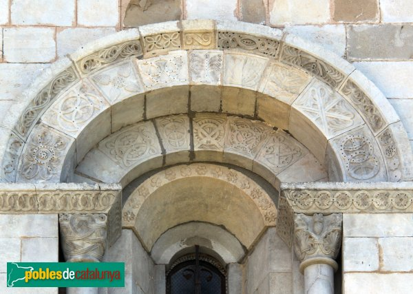 Cistella - Santa Maria de Cistella, finestral