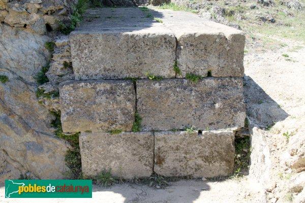 La Jonquera - Santa Maria de Panissars, restes del trofeu romà