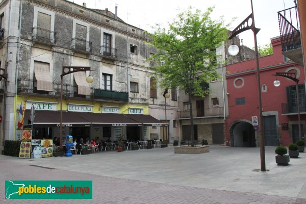 La Jonquera - Plaça Major, can Siscu