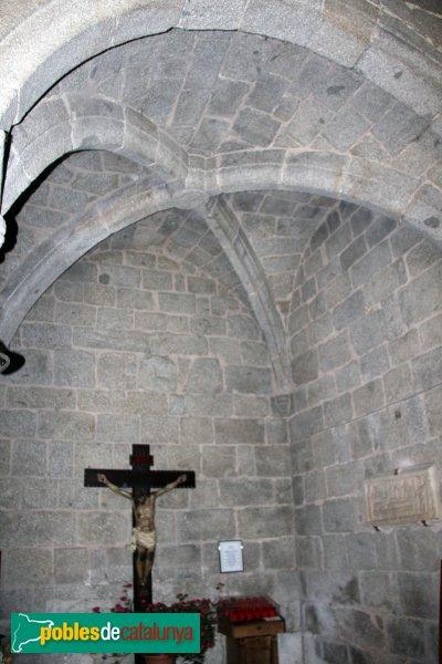 Maçanet de Cabrenys - Església de Sant Martí, capella lateral