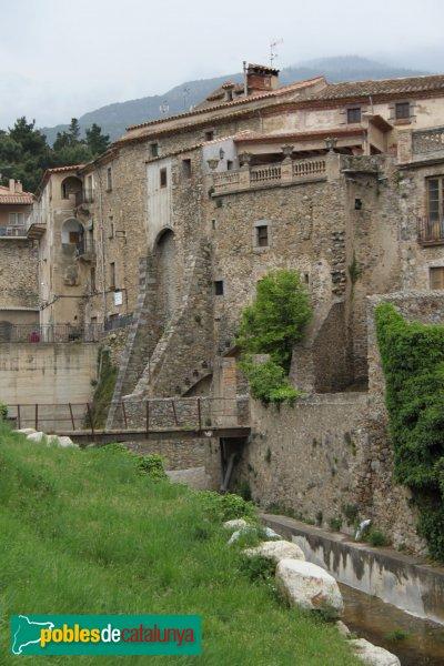 Maçanet de Cabrenys - Muralles