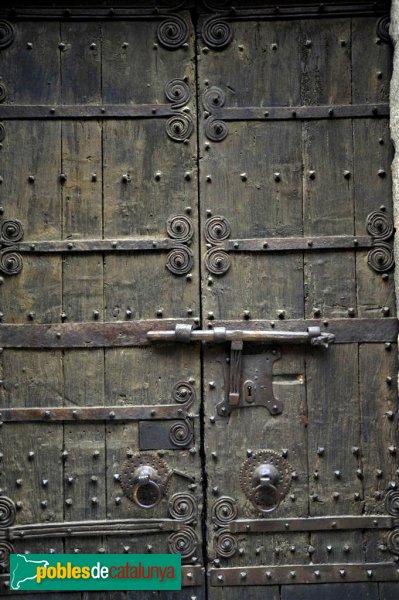 Darnius - Església de Santa Maria, porta