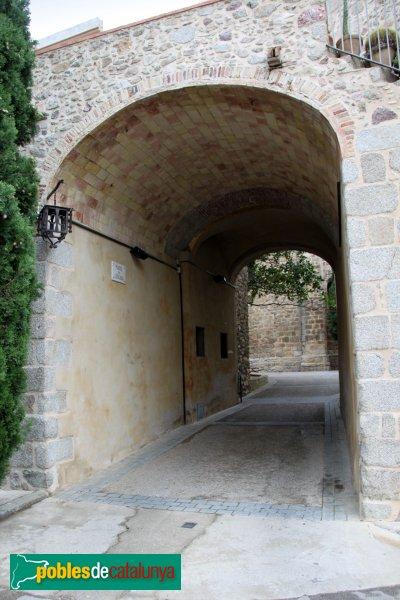 Darnius - Muralla