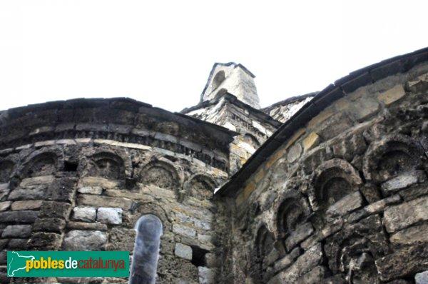 Església de Santa Eulàlia a Unha - Arcs cecs als absis