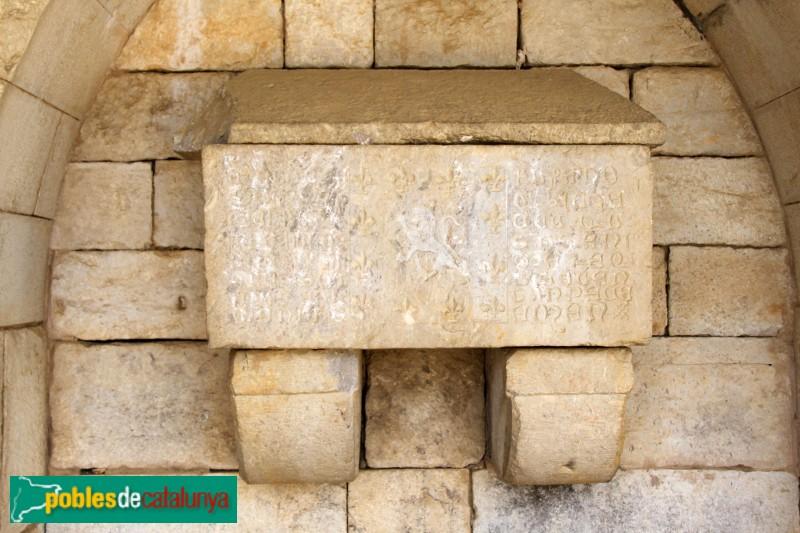 S'Agaró - Nostra Senyora de l´Esperança, sepulcre procedent de Foixà