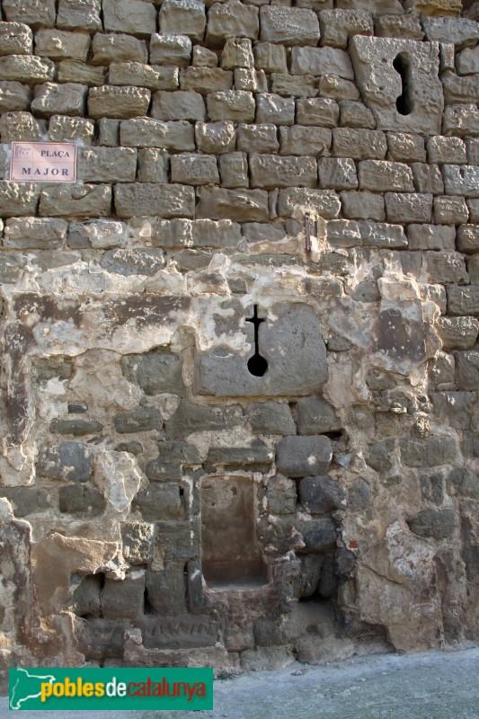 Concabella - Castell, espitllera en forma de creu