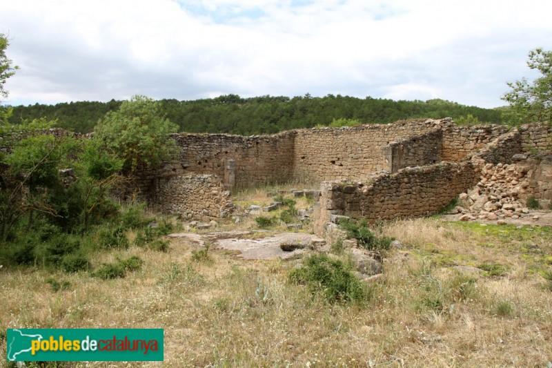 Torà - Castell de Llanera, construccions annexes