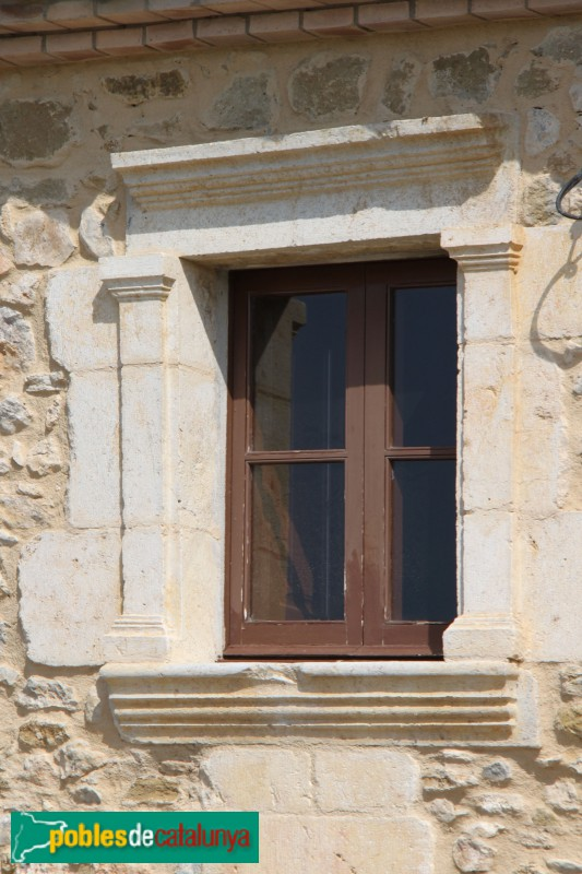 Torroella de Montgrí - Mas Ral, finestra