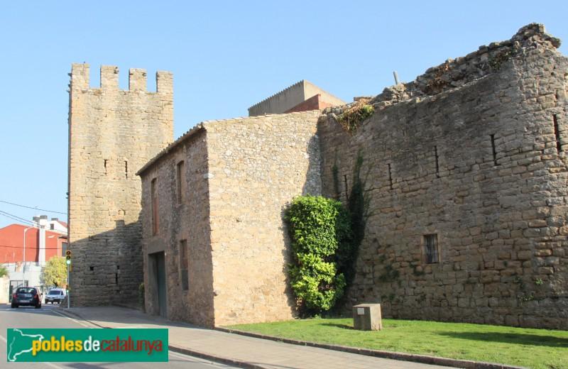 Torroella de Montgrí - Portal de Santa Caterina i muralla