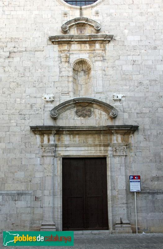 Torroella de Montgrí - Església de Sant Genís, portal de la plaça