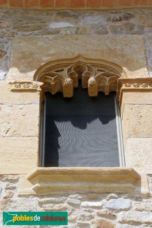 1Ullastret - Finestra gòtica