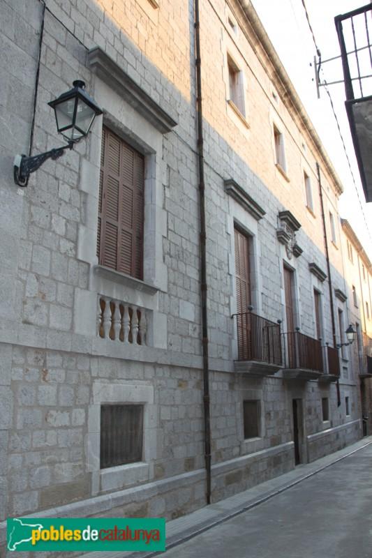 Torroella de Montgrí - Palau Solterra, façana del carrer Codina