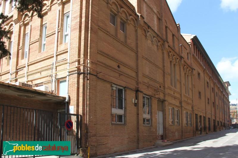 Barcelona - Col·legi Sant Ignasi, edifici veí