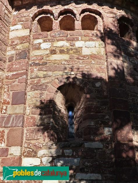Sant Martí del Brull. Finestres cegues de l'absis