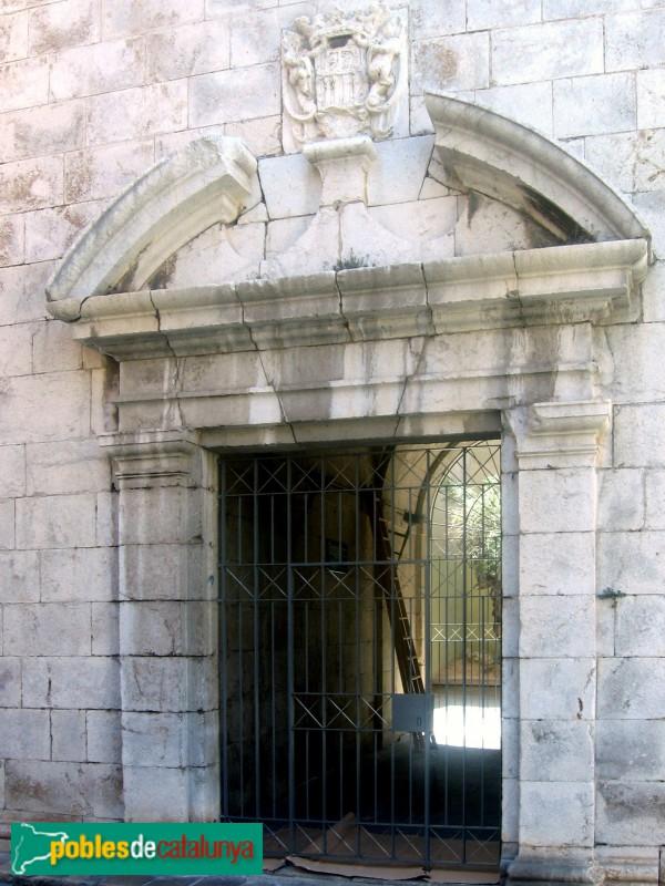 Vilanova i la Geltrú - Església Sant Antoni Abat, porta del campanar