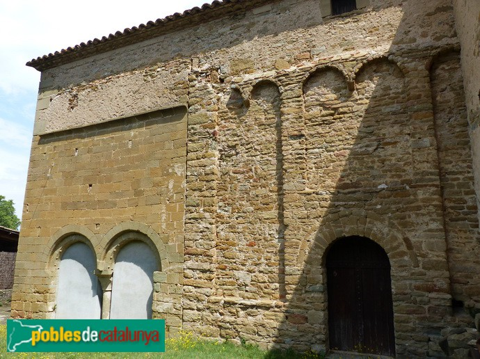 Arcuacions i sobre-alçat, façana sud