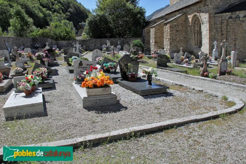 Arties - Església de Santa Maria, cementiri