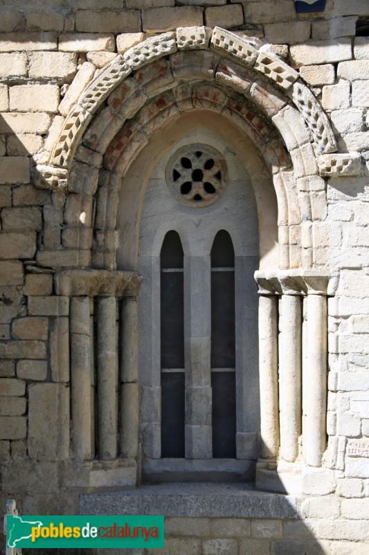 Arties - Església de Santa Maria, finestral gòtic