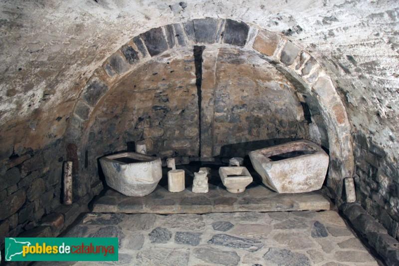 Tredòs - Santa Maria de Cap d'Aran, cripta
