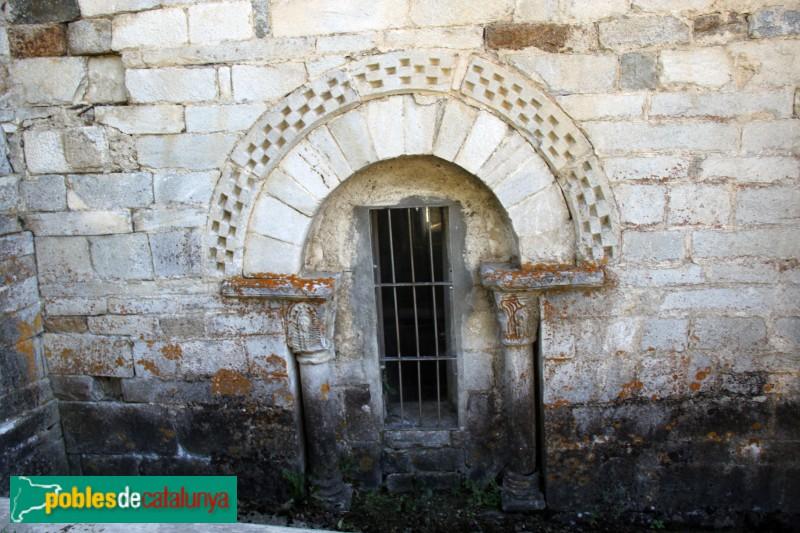 Tredòs - Santa Maria de Cap d'Aran, finestra