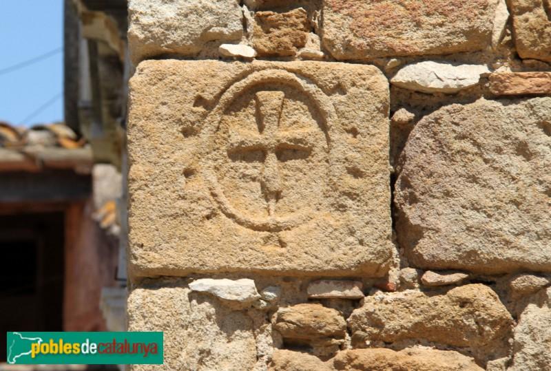 Canapost - Església de Sant Esteve, carreu esculpit