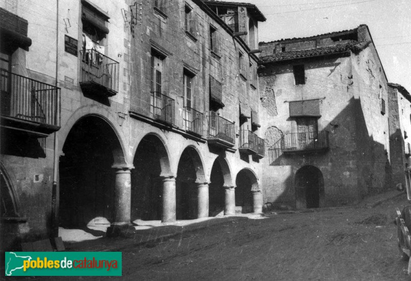 Bellpuig - Antic carrer del Pou (ara Homentage a la Vellesa)