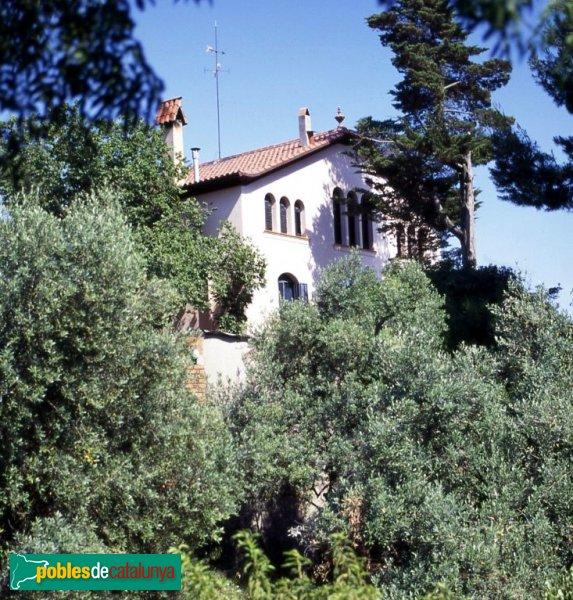 Torre corzana sant feliu de llobregat pobles de catalunya for Gimnasio sant feliu de llobregat