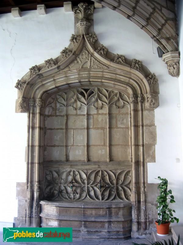 Esplugues de Llobregat - Claustre del monestir de Montsió